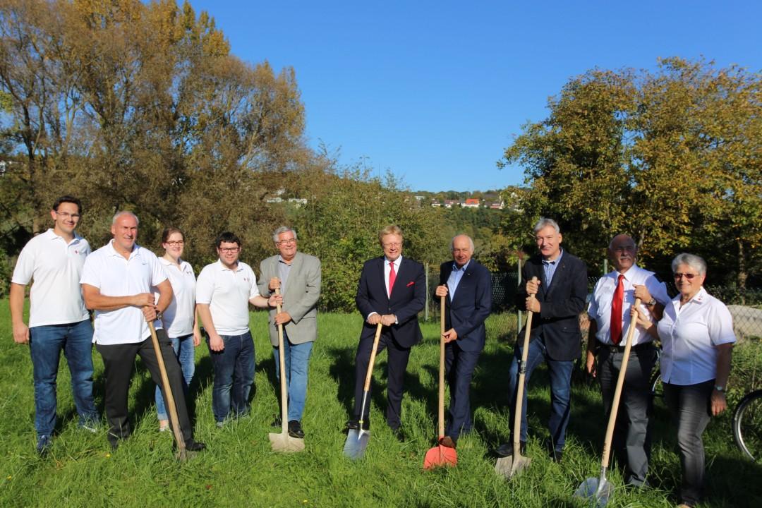 Spatenstich mit Ehrengästen & Bauausschuss