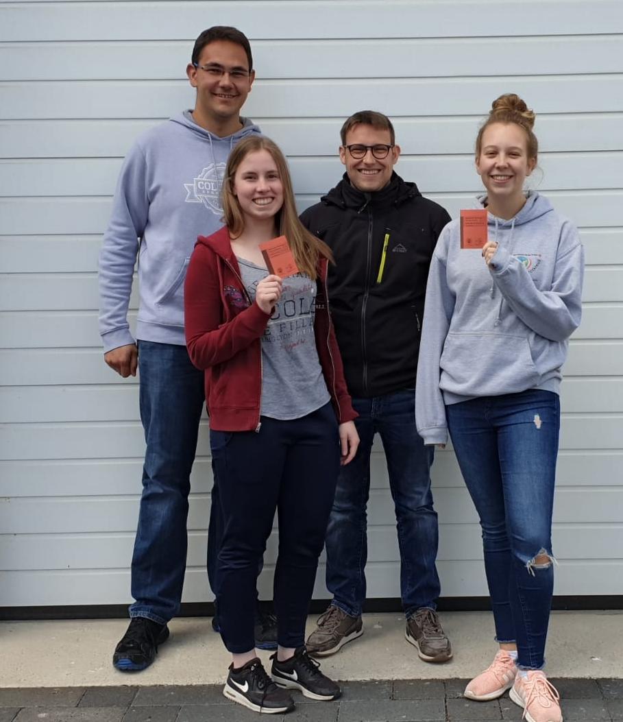 Unsere Vier neuen Rettungsschwimmer