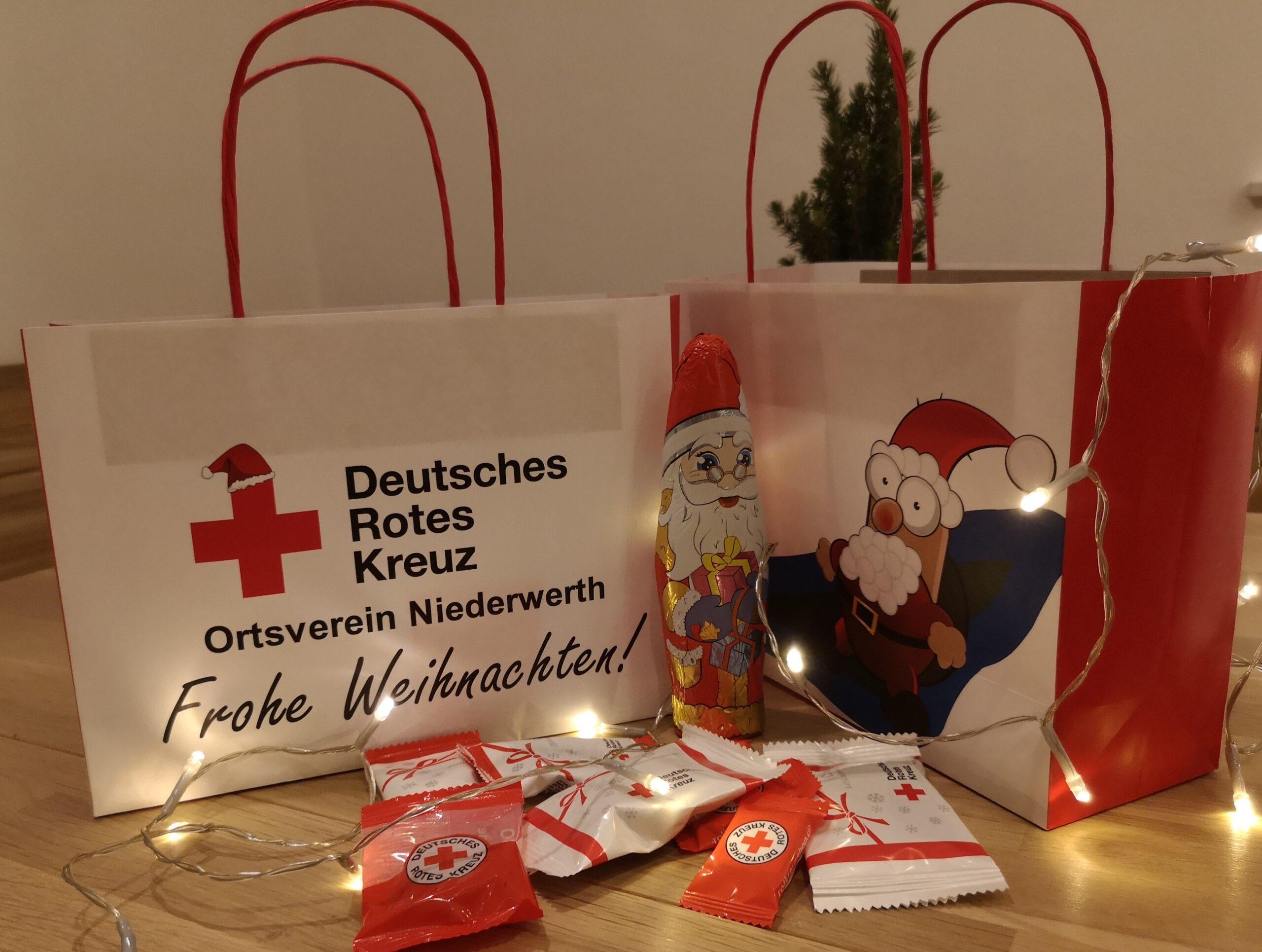 Über diese weihnachtlichen Tüten konnten sich die kleinen und großen aktiven Mitglieder freuen.